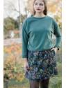 Vue de devant en pied du Sweat hysteriko Andrée Kaki porté avec la jupe hysteriko Kate Tobacco bleu